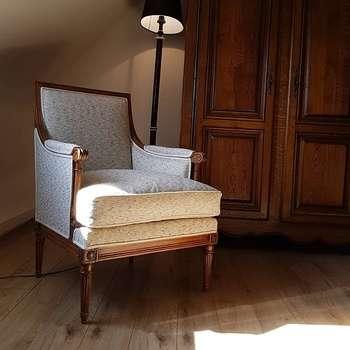 Rénovation d''un fauteuil type Bergère