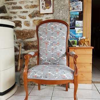 Restauration pour cette paire de fauteuils VOLTAIRE