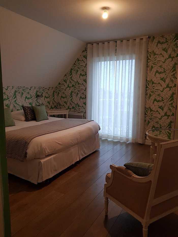 Décoration d''une chambre d'hôtel Les Agapanthes -Ploubazlanec (22) 0